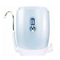 【3M】UVA2000紫外線殺菌淨水器-超值組(內含兩組耗材)
